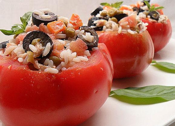 Receta de tomates rellenos de arroz y atún